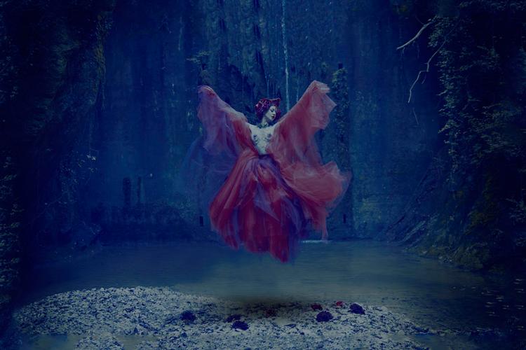 Cuadro Mujer levitando - Ámbar Muebles