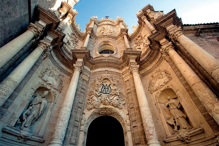 Hornacinas en la Catedral de Valencia | Vía Pinterest