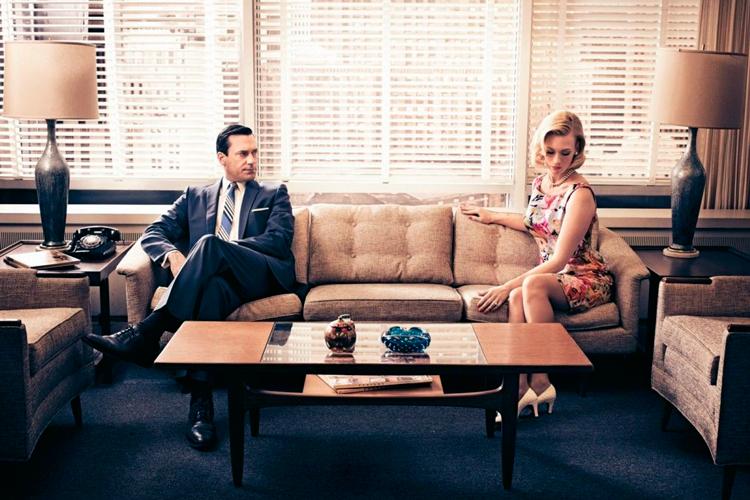 Escena de la serie 'Mad Men' en el despacho de Don Draper - Ambiente mid-century modern