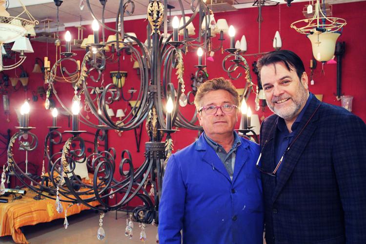 Francisco Ortiz y Paco Escrivá en las instalaciones de Joalpa - Ámbar Muebles