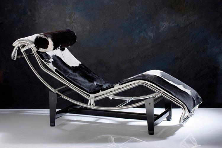 Chaise longue LC4 de Le Corbusier - Piel potro - Sheraton en Ámbar Muebles