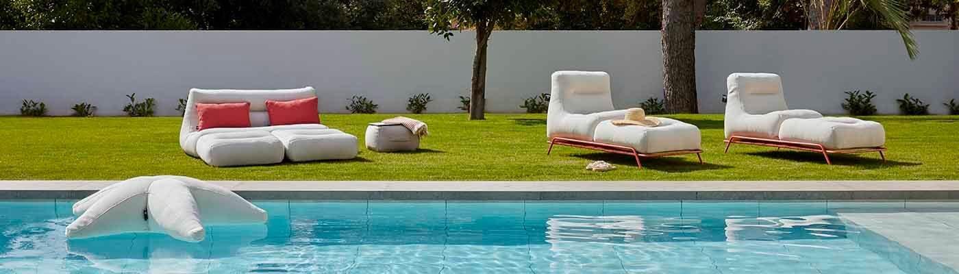 Colchonetas y puffs de piscina y jardín