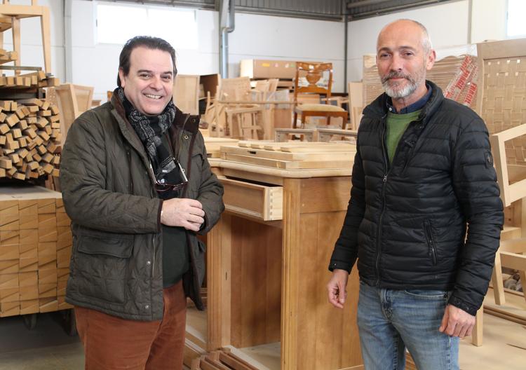 Paco Escrivá y Manuel Blanch durante nuestra visita a la fábrica de Blanch Ménsula