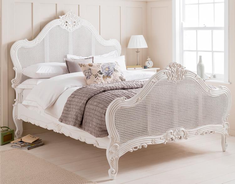 C mo crear un dormitorio rom ntico con cabeceros de - Camas estilo romantico ...