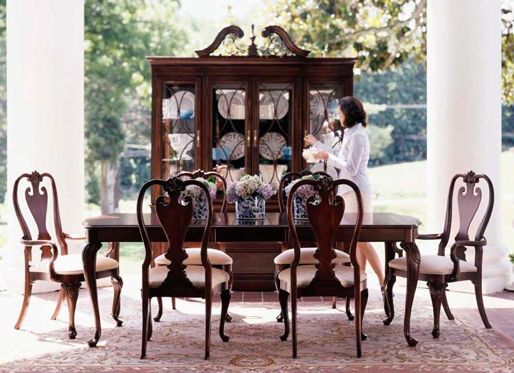 La silla reina ana un icono del mobiliario cl sico ingl s for Decoracion estilo ingles clasico