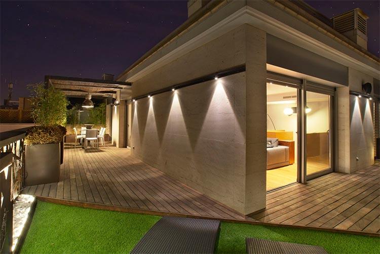L mparas de exterior y l mparas baliza para iluminar tu for Lamparas de exterior para terrazas